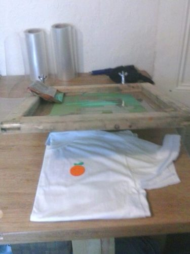 Screen printing T-Shirt with clamps