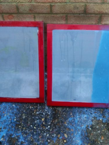 Screen being jet washed after Pregasol F has degraded old emulsion