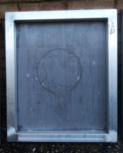 Degrease screens before coating with emulsion